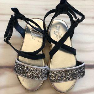 OshKosh B'gosh // Strappy Shoes 8